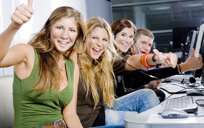 Online Lernen Führerschein, Autofahrschule Aschaffenburg Innenstadt, Fahr-Praxis-Lernen Aschaffenburg, Auto-Fahren-Lernen, Crashkurs, fahren Lernen in Aschaffenburg, Führerschein Aschaffenburg, günstige Fahrschule, gute Fahrschule, Theorie Fahrschule, ler